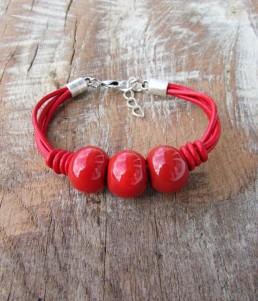 Дамска Гривна от Минерали и Керамични Топчета Червена